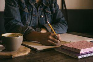 Osoba pisząca protokół lub inny tekst